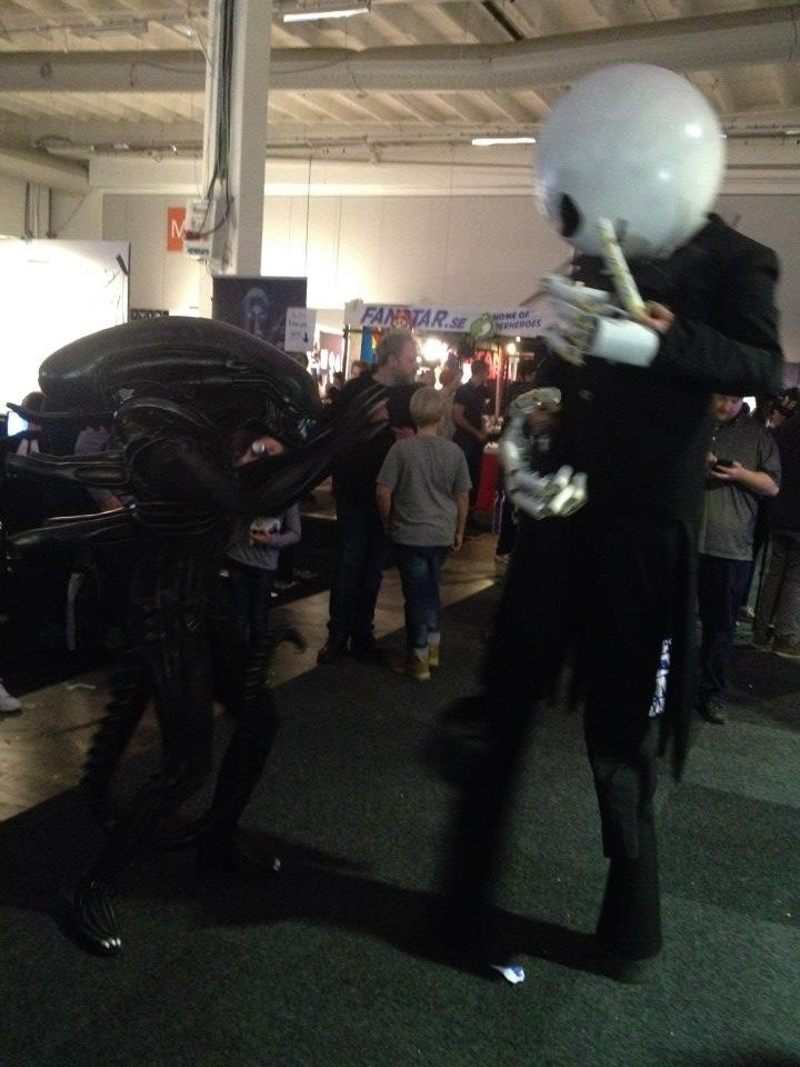 Watching a knife-fight between Jack Skellington and a Xenomorph