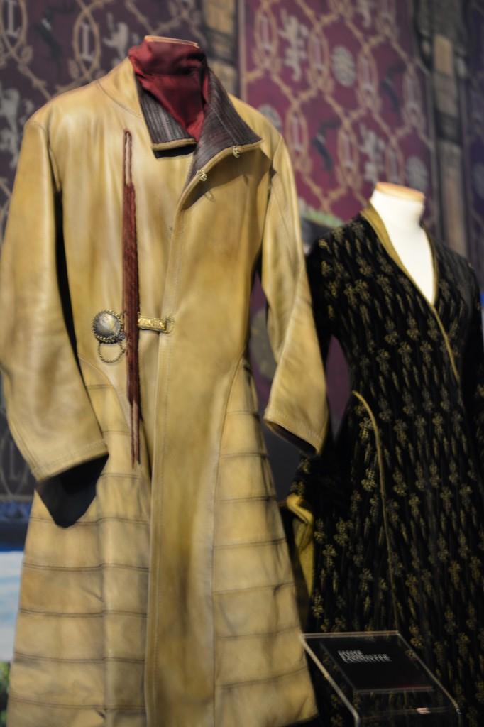 Jamie Lannister's Shmexy Coat- Westeros Got Style, yo'!
