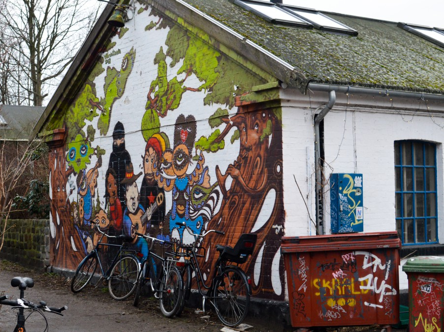 Typical houses in Christiania - love the murals, so dreamyy