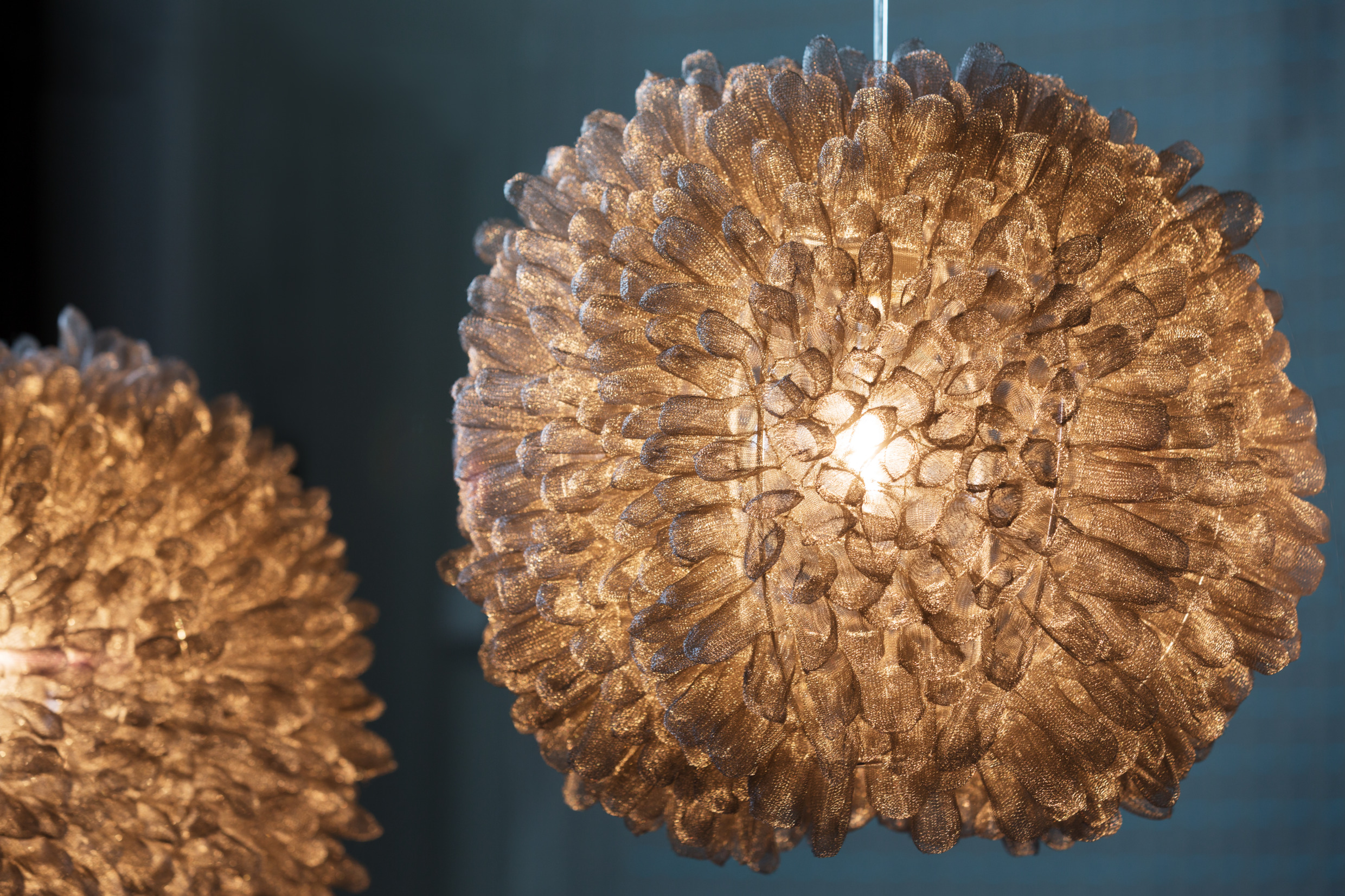 sofia_sabel-knitted_metal_lamp-4248