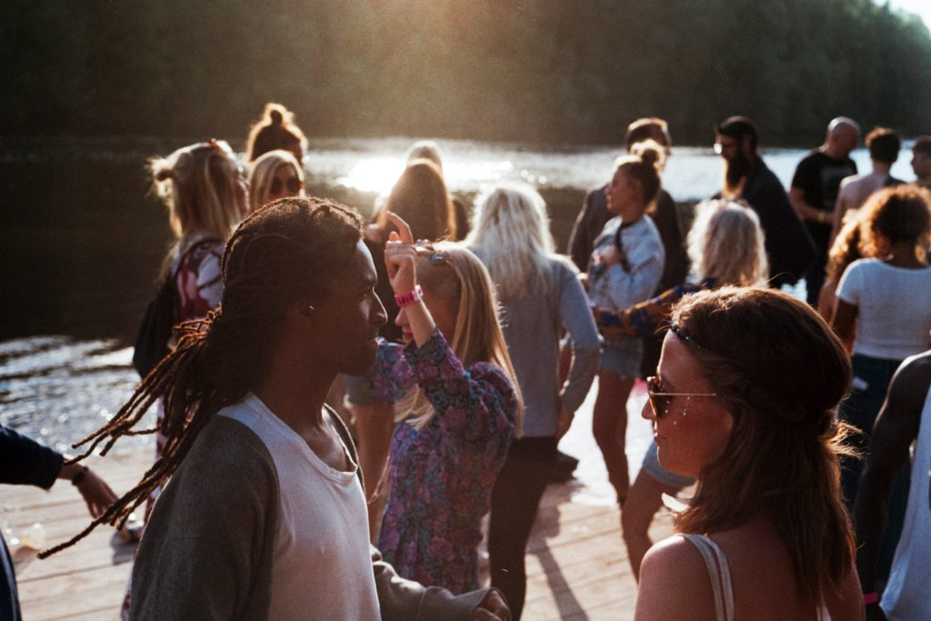 People mingling, Source: Jens Johnsson, Unsplash