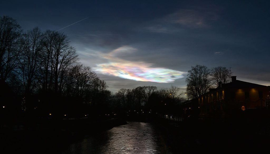 Polar stratospheric cloud