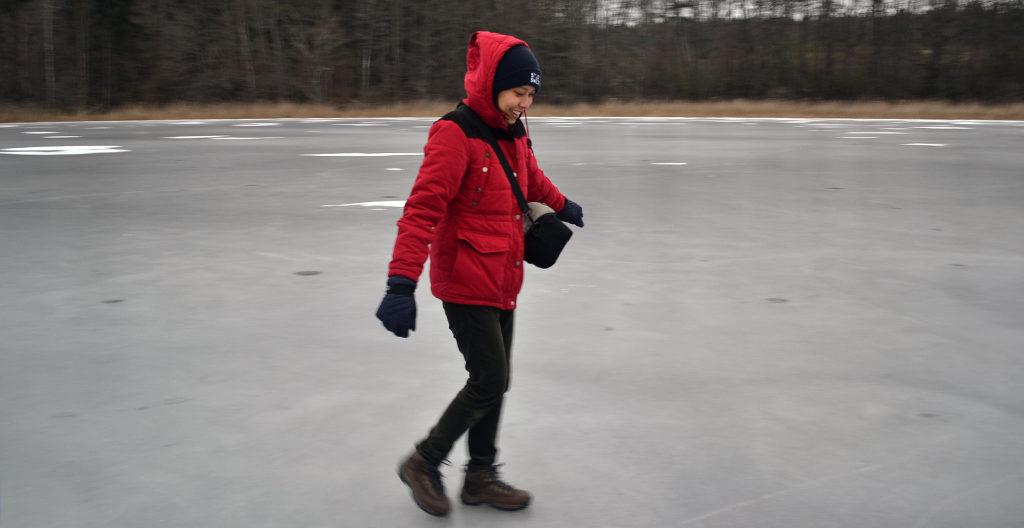 Walking on frozen Ramsen lake