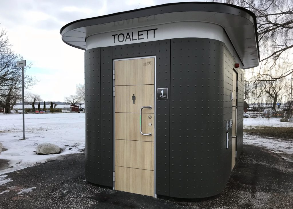 Toilet near the Lake Mälaren