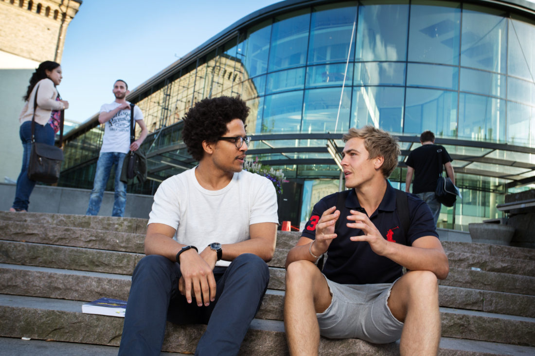 Students talking in sweden