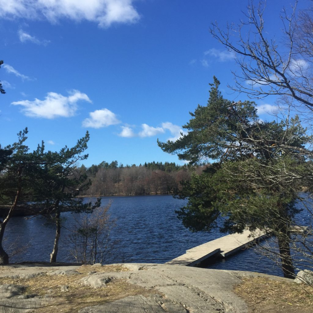 Blue sky and blue water at the sauna