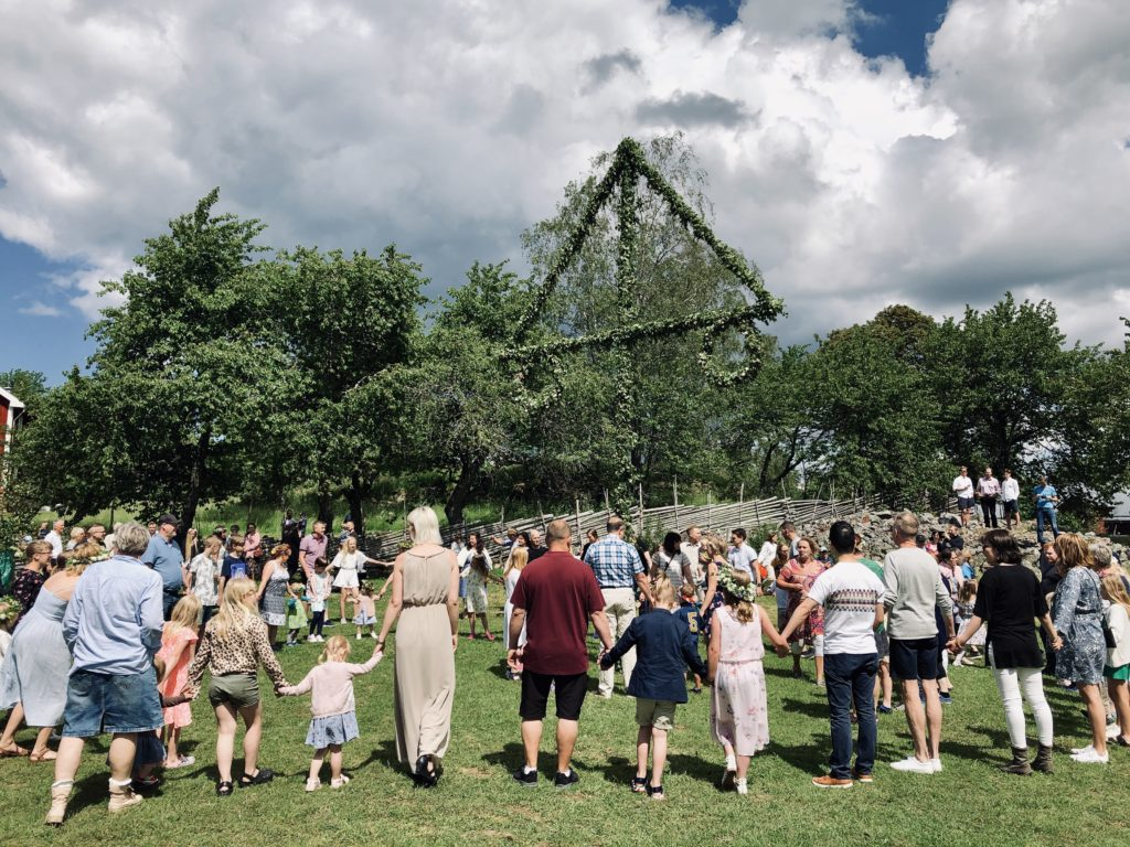 People of all ages dance around the maypole/ Credit: Katharina