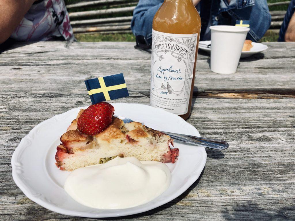 Midsommar fika/ Credit: Katharina