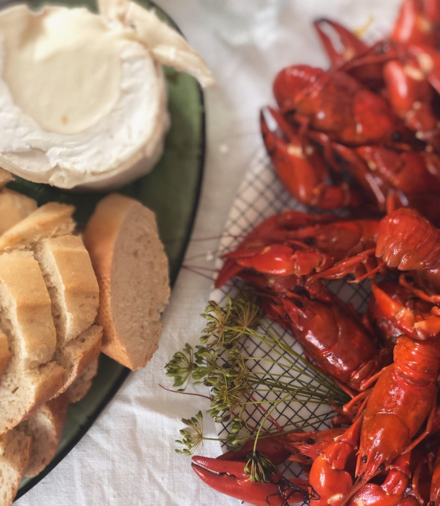 Crayfish, bread and cheese