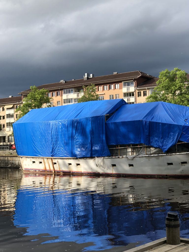A sleeping boat in Uppsala, Spring 2019