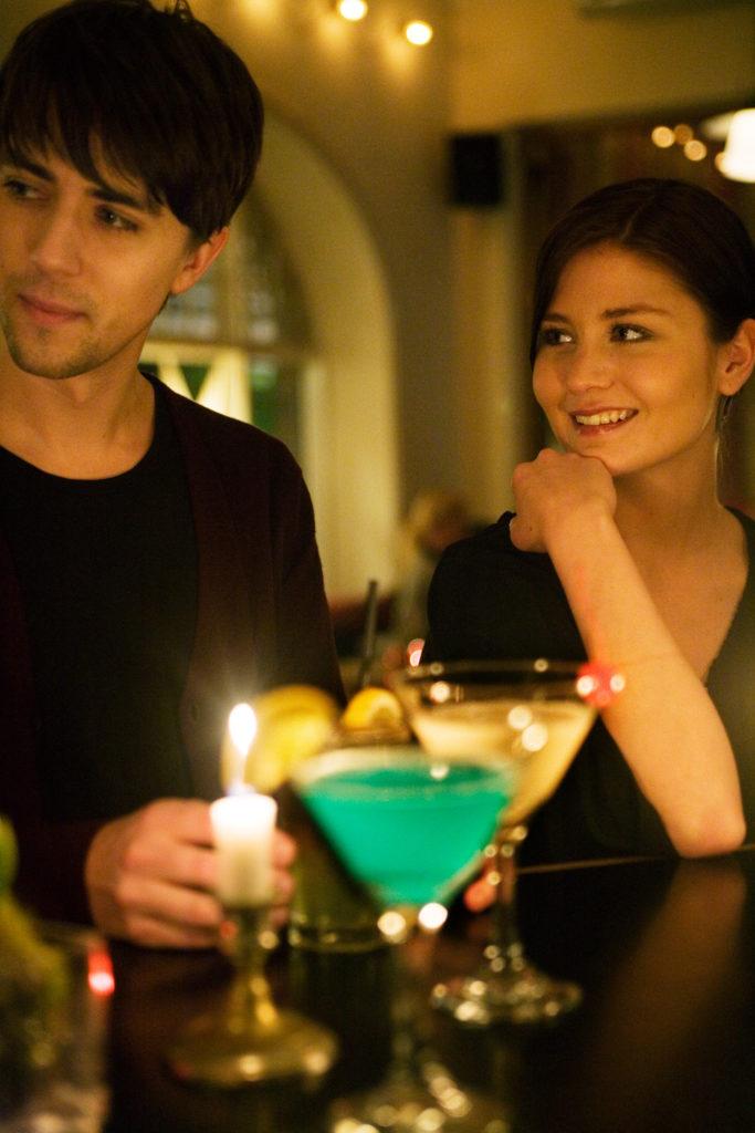 Couple at a bar / Credits: Miriam Preis/imagebank.sweden.se