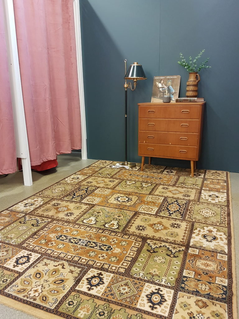 Erikshjälpen Borås Shelf and Rug outside Fitting Rooms