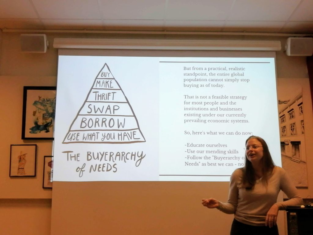 Cirrus presenting The Buyrarchy of Needs at 2019 Hållbar Student Handcraft and Mending Workshop