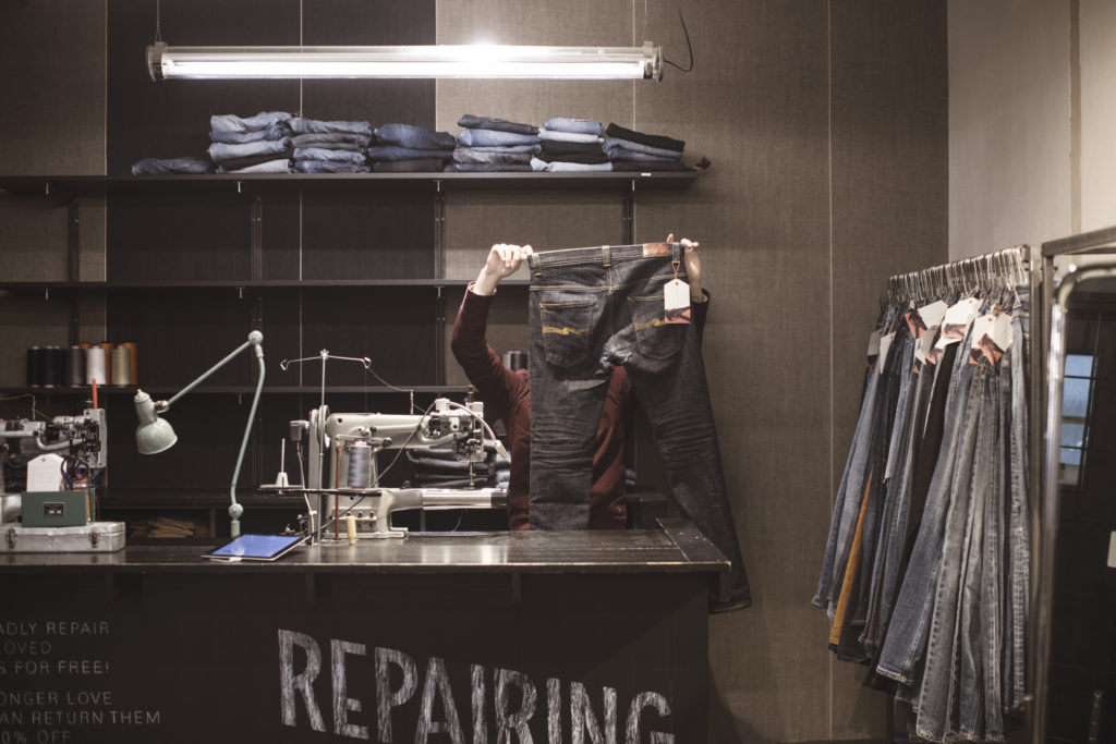 Sustainable Fashion - Nudie Jeans repair